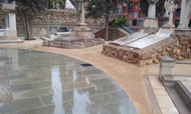 Paviment Sauló Sòlid un mes després execució cementiri Sants Barcelona 02
