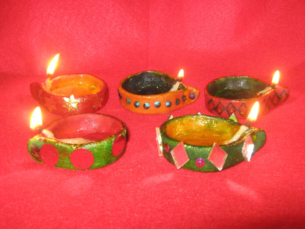 Diwali diyas made of wheat flour (1/2)