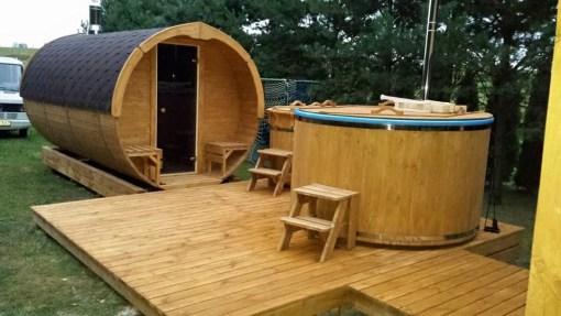 Sauna beczka z tarasem oraz beczka kąpielowa