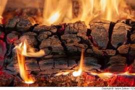Das richtige Brennmaterial für den Saunaofen