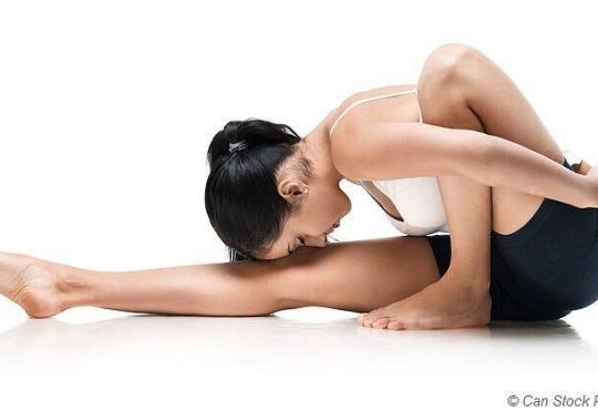 Yoga verbessert die Flexibilität und beugt Verletzungen vor