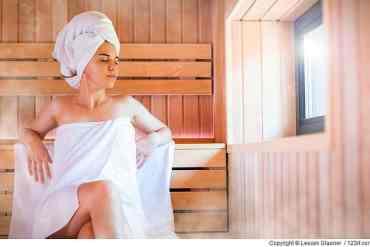 So fühlt Frau sich in der Sauna wohl