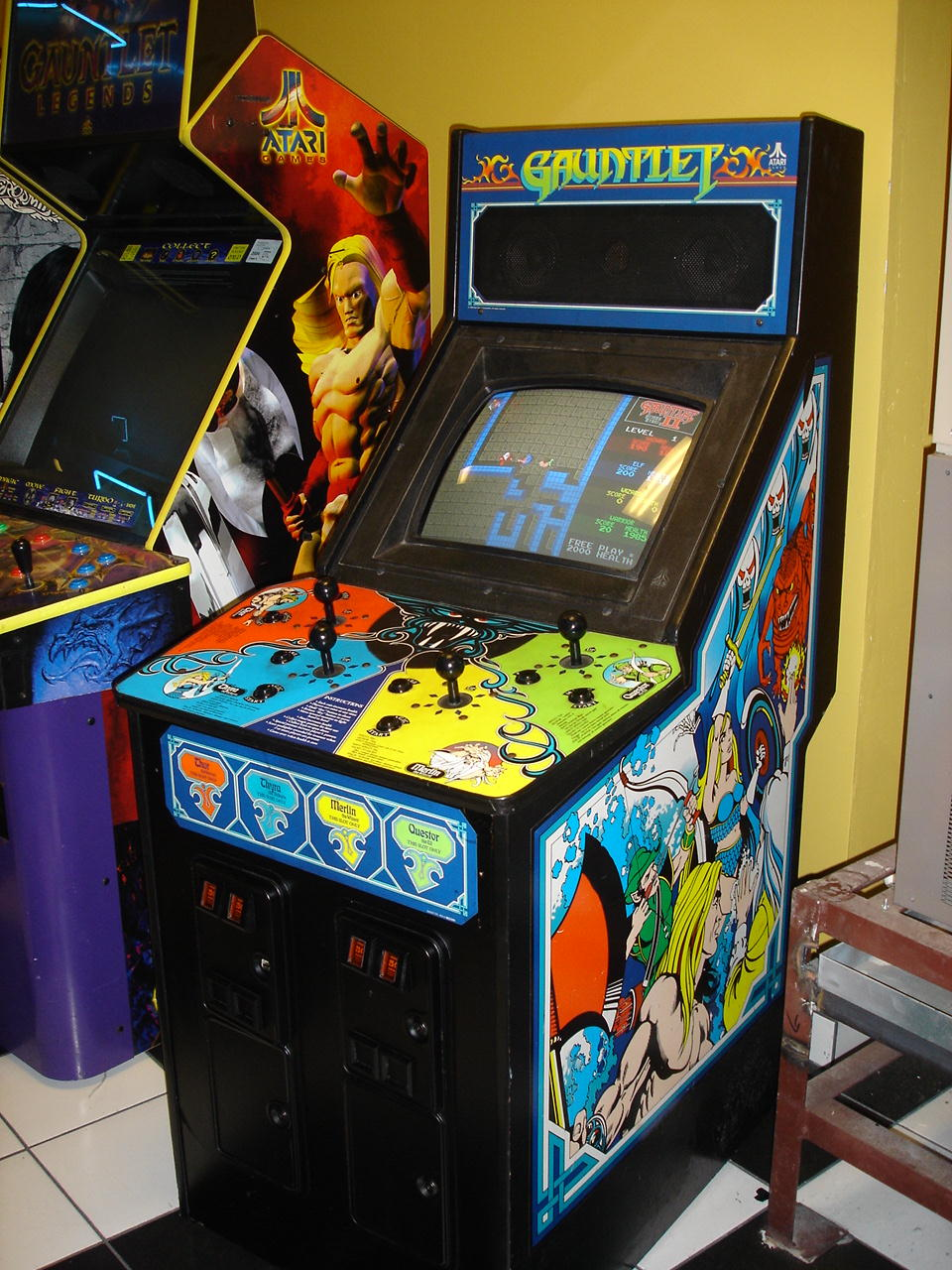 Video game arcade  Jennifer Saunders Science of Life