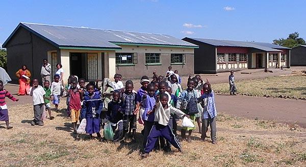 Students outside Chiwawatala School