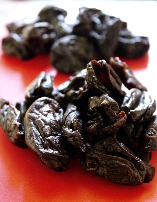 Dried Wild Sumo Fruit.