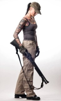 Sexy Tatoo Girls with Guns 001