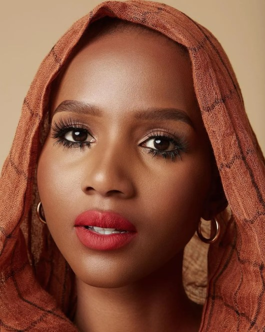 Shudufhadzo Musida 'Miss SA 2020' Biography Age, Career, Hairstyles, 182 Carat Crown, Net Worth, Cars, Pictures