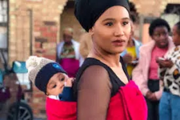 Keke Mphuthi Biography, Age, Baby, Partner, Unmarried, the Fergusons