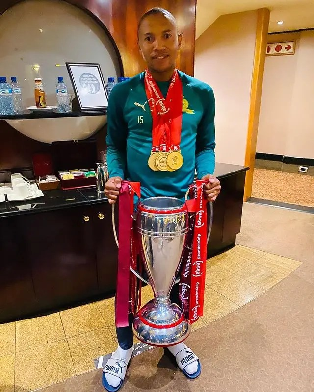 Andile Jali Biography, Age, Cars, Sundowns, Pictures, Wife, Net Worth