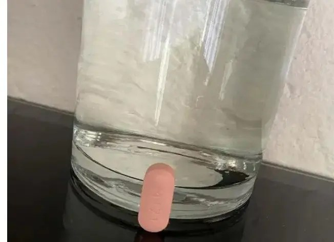 Zodwa Wabantu strikes again with her HIV pills, ARVs