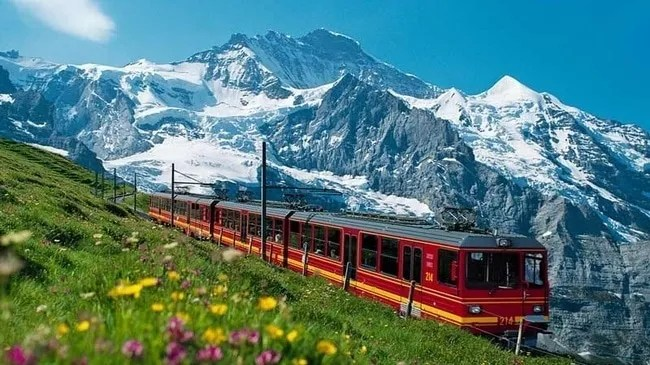 Swiss Trains Have The Best Performance In All Of Europe | Save A Train