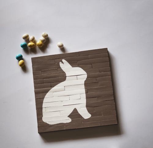 Faux Pallet Easter Canvas DIY