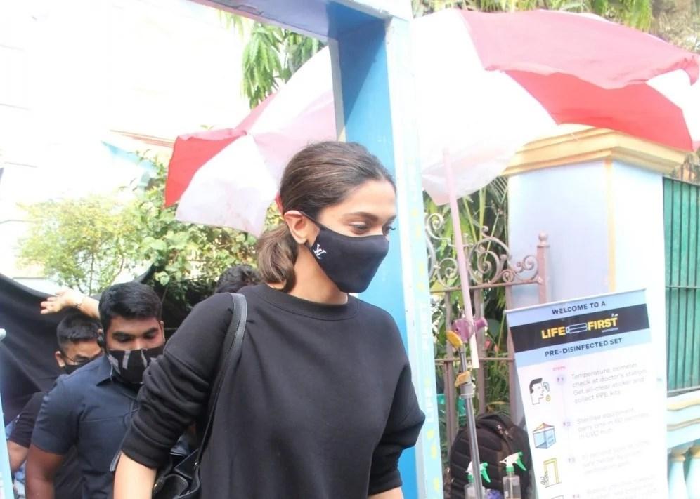 Deepika Padukone Snapped Post Shoot In Bandra