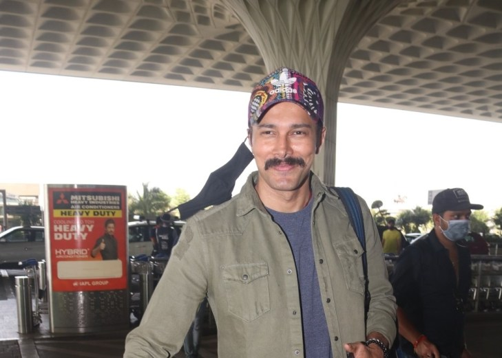 Rajneesh Duggal Spotted at Airport Departure