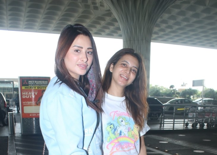 Mahira Sharma Spotted at Airport Departure