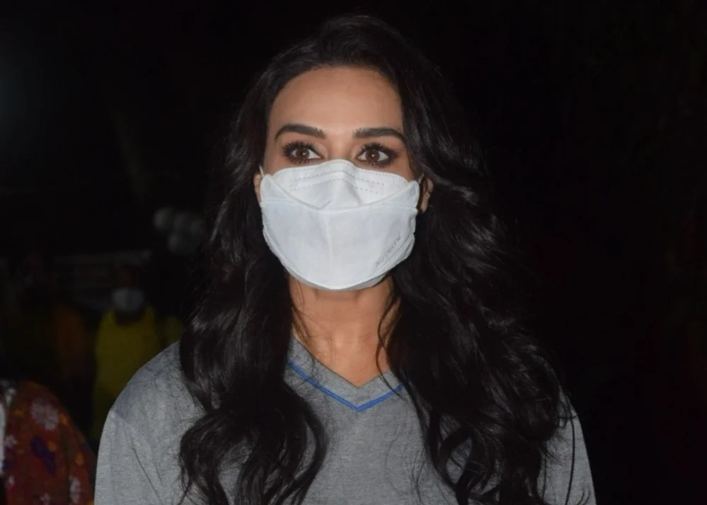 Preity Zinta Snapped post shoot in bandra.