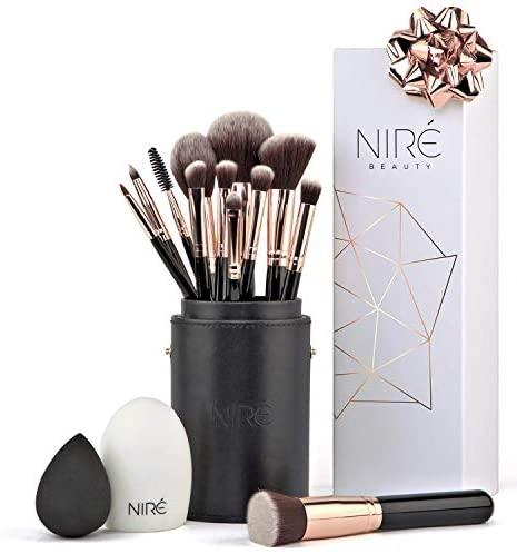 Niré Artistry kit: pennelli make up, Niré Beauty Blender, pulitore pennelli...