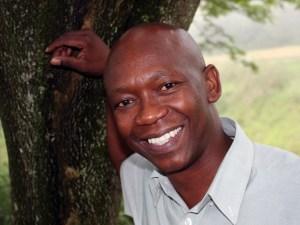 Oscar Mthimkhulu
