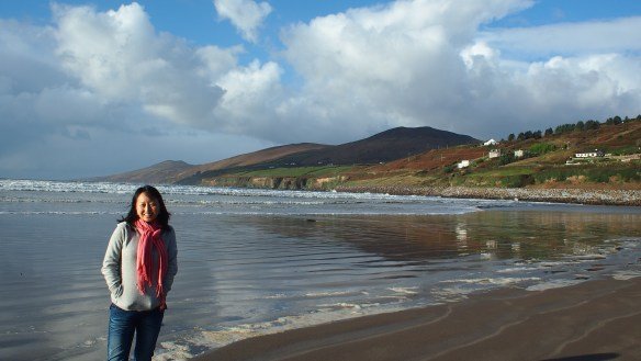 Ireland has beautiful scenery and friendly people (Inch Strand, Dingle)