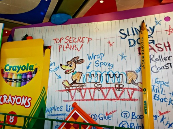 Toy Story Land - Slinky Dog Dash queue