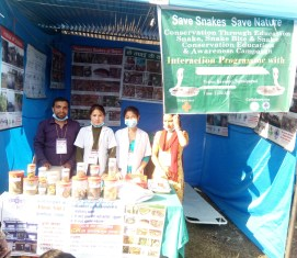 Kamal Devkota with the medical staff of Kaligandaki Hospital 2