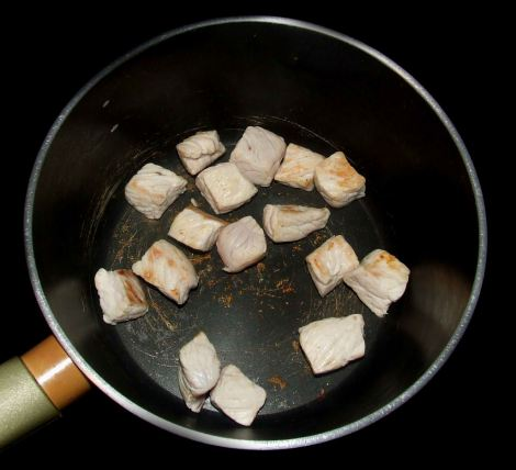 la cuisson de la viande du porc au caramel vietnamien