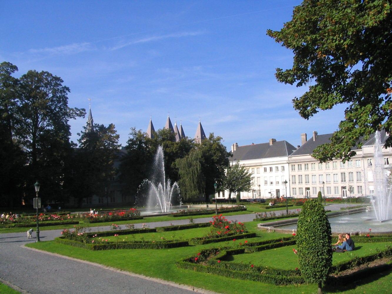 D ciguide tournai la ville aux cinq clochers en 10 - Fontaine de jardin occasion belgique ...