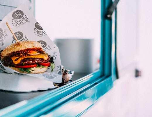Burger végétarien - Pexels - Adrianna Calvo
