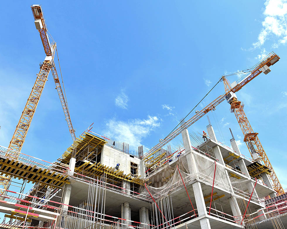 A new Santa Cruz building is being constructed with use of tower crane