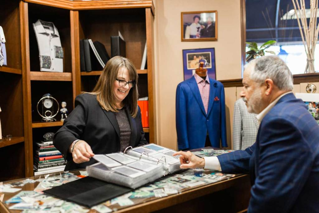 How Does Custom-Made Fit into a Man's Business Casual Wardrobe?