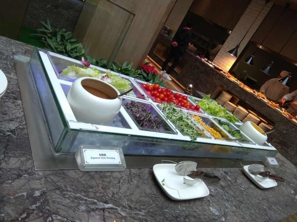 台北福華大飯店彩虹座自助餐吃到飽Rainbow Terrace-1000元有找buffet好選擇-小小的沙拉區