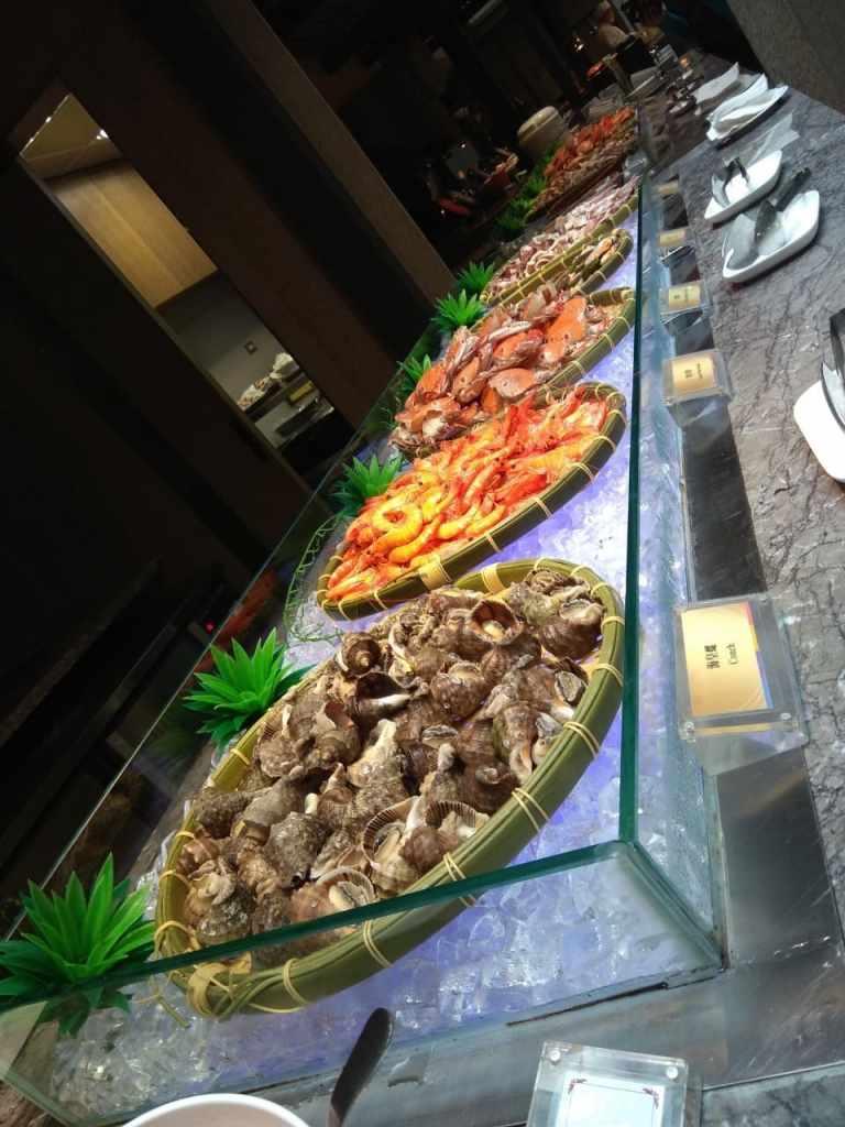 台北福華大飯店彩虹座自助餐吃到飽Rainbow Terrace-1000元有找buffet好選擇-生食區