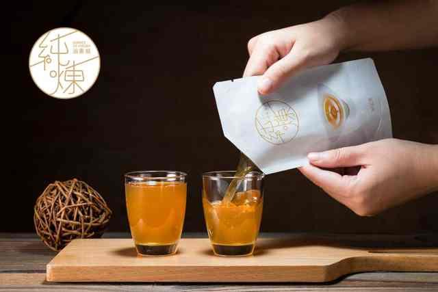 純煉滴雞精-寶島手路菜團隊~擁有30年食品製造經驗,每年代客設計10款滴精類產品。