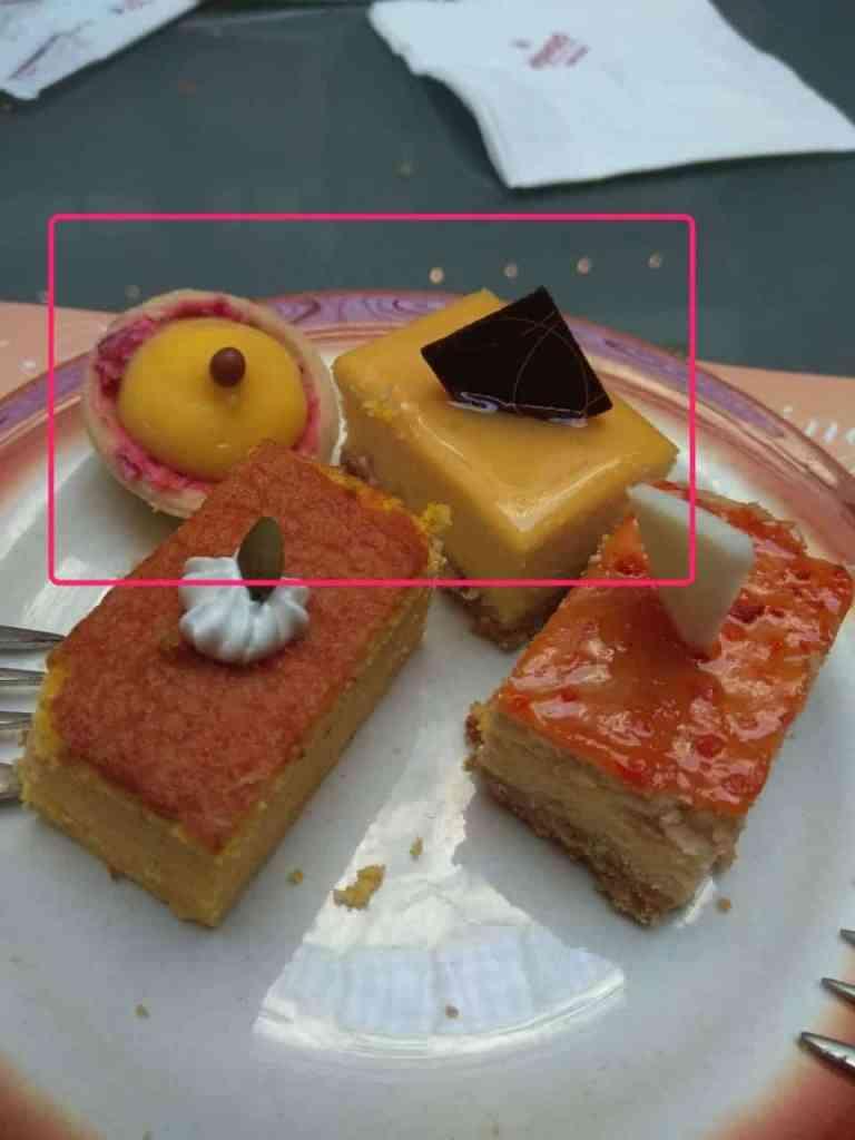 上面框起來的就是檸檬塔跟重乳酪蛋糕,很值得一吃!另外兩個可以不用XD