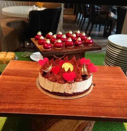 文華cafe 整齊豐盛的甜點區