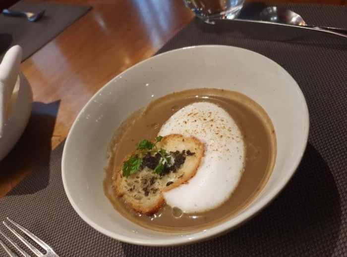 乾式熟成 美福牛排 卡布奇諾蘑菇湯野蕈薄餅