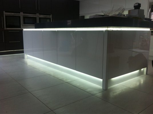 brand new 359f7 3a874 Led Kitchen Plinth Lights Uk
