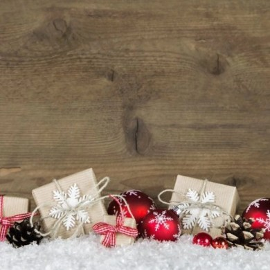 Plan a stress free holidays. 21 tips to help you stress less this holiday season.
