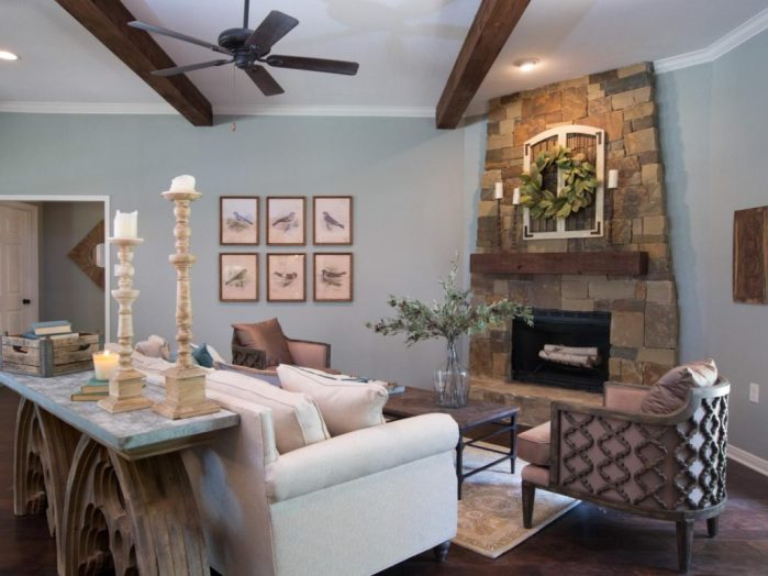 Seriously, is anyone else as addicted to Fixer Upper as me?! Here are 9 Fixer Upper fireplace mantels you can create on a budget...which will you choose?