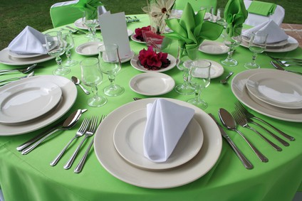 How to set a dinner table  Saving Dinner