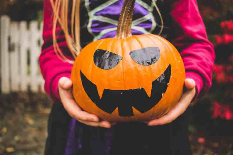 14 Creative Halloween Crafts For Kids