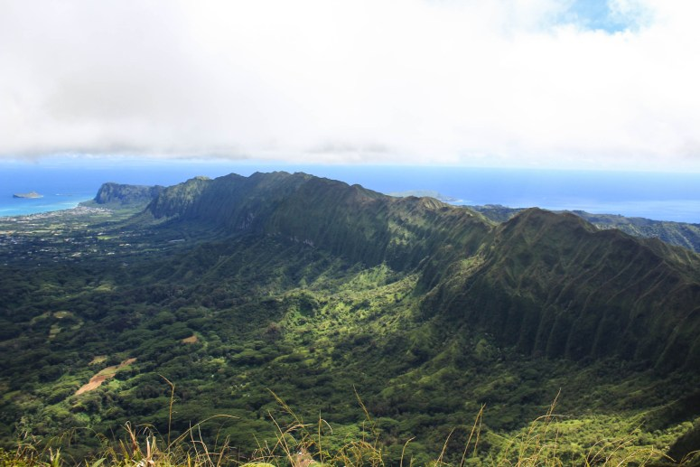 View of Southern Ko'olau Mountains from Konahuanui Summit