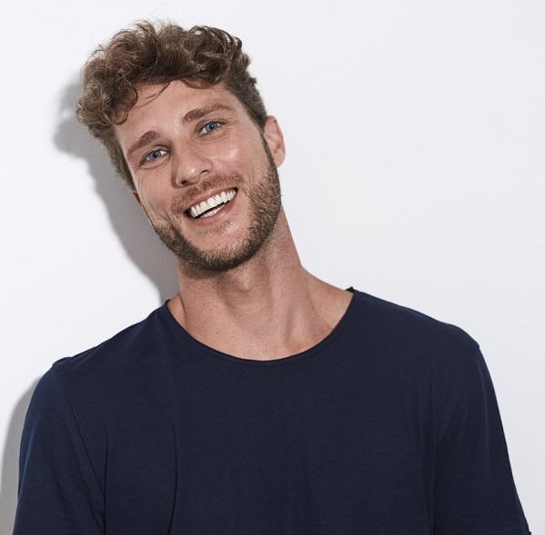 Best 2021 Men's Hairstyles - 35