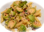 Feathers (pasta) with chicken and Brussels sprouts