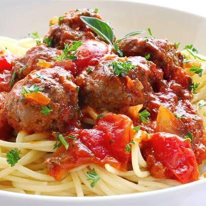Chiftelute bologneze cu spaghete