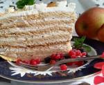 Cake with honey and Walnut sheets