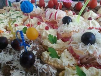 Appetizer platter and olives