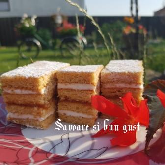 prajitura cu foi de miere de albine si crema de lamaie