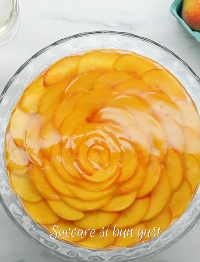 Cheesecake cu piersici fara coacere