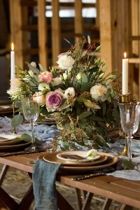 Wedding place-setting in barn atmosphere
